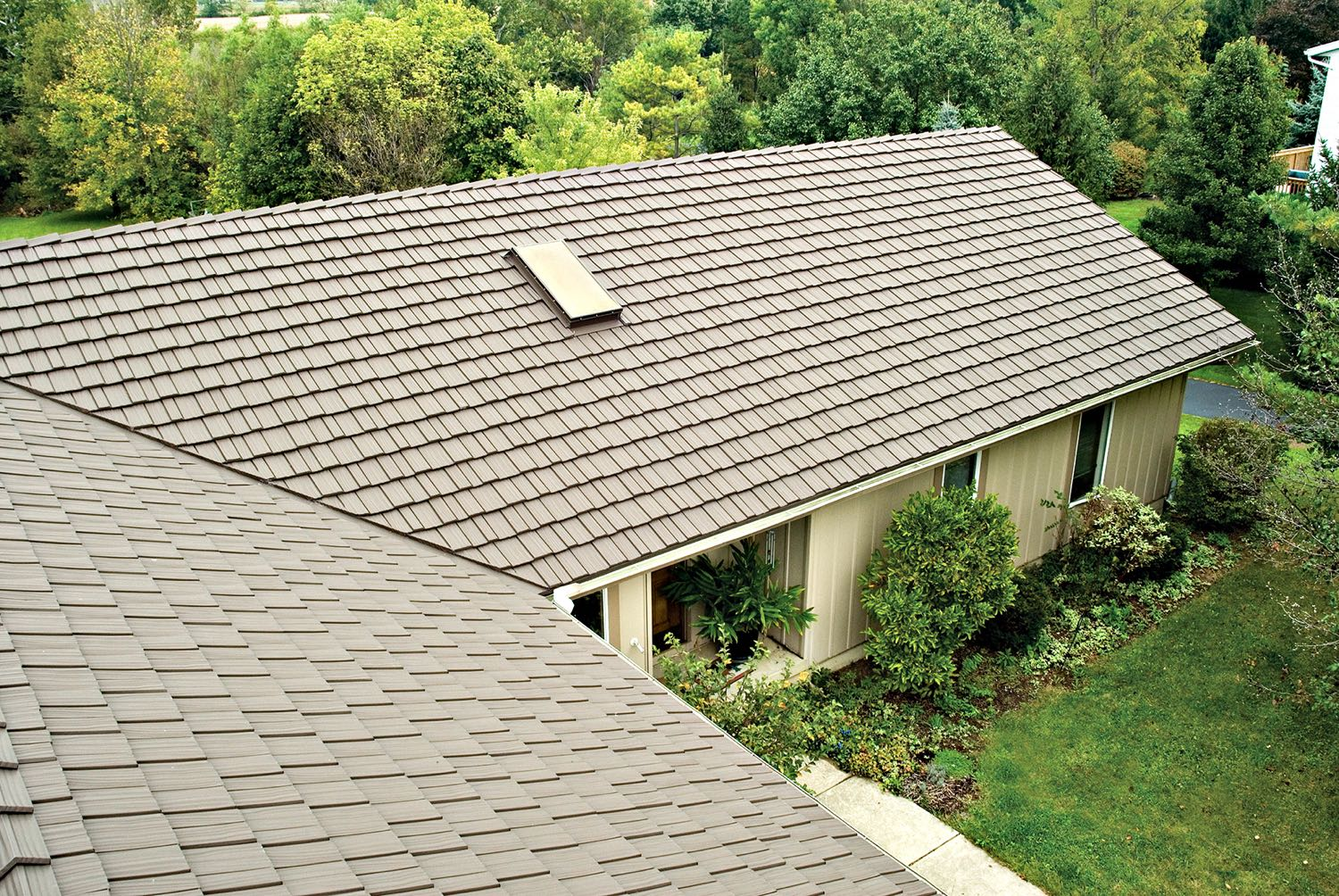 country manor shake metal roofs by classic metal